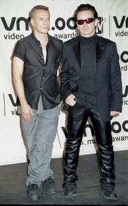 Larry, BonoMTV Video Music Awards: 2000 © 2000 Ariel Ramerez - Image 17591_0202