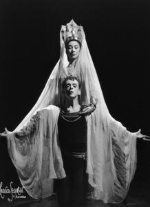 Margot Fonteyn and Robert Helpmannas Ophelia and Hamlet, c. 1942. © 1978 Maurice Seymour - Image 17617_0003