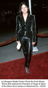 """Selma Blairattends the """"Sugar and Spice"""" Premiere, 1/24/01. © 2001 Scott Weiner - Image 17630_0113"""