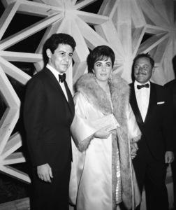 """Suddenly, Last Summer"" (Premiere)Eddie Fisher, Elizabeth Taylor, Tennessee Williams1959 © 1978 David Sutton - Image 1763_0029"