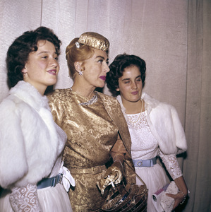 """""""Ice Follies"""" (Premiere)Joan Crawford with her daughters Cathy and Cindy1961 © 1978 Bernie Abramson - Image 1764_0020"""