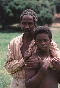 """""""Roots""""Louis Gossett Jr., LeVar Burton1977**H.L. - Image 17658_0023"""