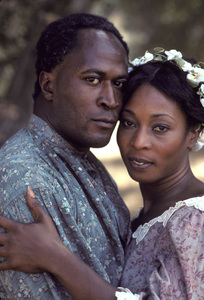 """Roots""John Amos, Madge Sinclair1977** H.L. - Image 17658_0033"