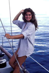 """Wet Gold""Brooke Shields1984**H.L. - Image 17883_0002"