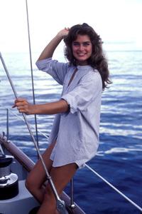 """Wet Gold""Brooke Shields1984**H.L. - Image 17883_0002"