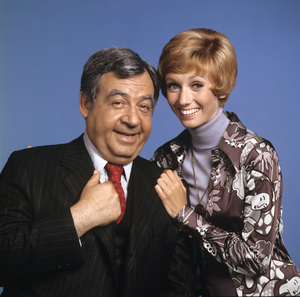 """The Sandy Duncan Show""Tom Bosley, Sandy Duncan1972Photo by Tony Esparza** H.L. - Image 17996_0006"