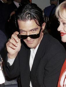 Antonio Banderas, Melanie GriffithNew York Fashion Week, 2000. © 2000 Ariel Ramerez - Image 18002_0101