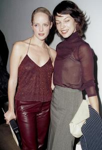 Marley Shelton, Milla JovovichNew York Fashion Week, 2000. © 2000 Ariel Ramerez - Image 18002_0111