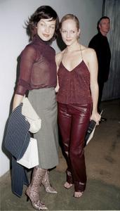 Milla Jovovich, Marley SheltonNew York Fashion Week, 2000. © 2000 Ariel Ramerez - Image 18002_0112