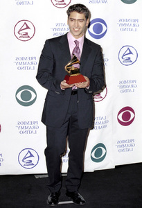 Alejandro FernandezLatin Grammy Awards: 2000, New York © 2000 Ariel Ramerez - Image 18003_0110