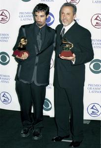 Nahib, Emilio EstefanLatin Grammy Awards: 2000, New York © 2000 Ariel Ramerez - Image 18003_0121