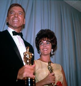 """Academy Awards: 33rd Annual""Burt Lancaster (Best Actor) and Elizabeth Taylor(Best Actress)1961 © 1978 Bernie AbramsonMPTV - Image 1801_0012"