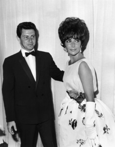 """The 33rd Annual Academy Awards""Eddie Fisher, Elizabeth Taylor (wearing"