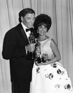 """The 33rd Annual Academy Awards""Burt Lancaster, Elizabeth Taylor (wearing"