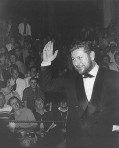 """""""Academy Awards: 33rd Annual"""" Peter Ustinov arriving at the awards1961Photo by Joe Shere - Image 1801_0066"""