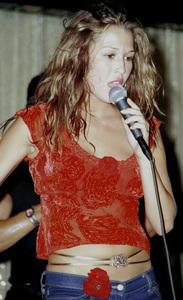 Joy EnriquezLatin Grammy 2000: Conga Room © 2000 Ariel Ramerez - Image 18052_0101
