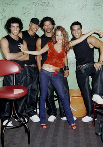 Joy Enriquez and dancersLatin Grammy 2000: Conga Room © 2000 Ariel Ramerez - Image 18052_0106