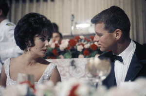 """Cedars-Sinai Benefit / Party""Elizabeth Taylor, Robert F. Kennedycirca 1961 / The Beverly Hilton © 1978 David Sutton - Image 1807_0041"