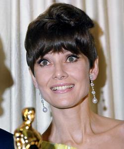 AUDREY HEPBURN, Academy Awards, I.V. - Image 1808_0037