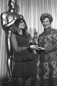 """""""The 39th Annual Academy Awards""""Julie Christie, Wendy Miller1967 © 1978 Bud Gray - Image 1808_0038"""