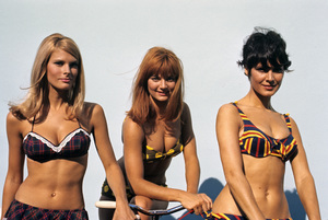 """In Like Flint"" Jacki Ray, Diane Bond, Mary Michael1967 20th Century Fox © 1978 David Sutton - Image 1809_0026"