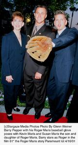 61*: PremiereBarry Pepper with Susan and Kevin MarisParamount Studios,  4/16/01 © 2001 Glenn Weiner  - Image 18094_0102