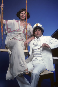 """The Captain and Tennille""Daryl Dragon, Toni Tennille1976** H.L. - Image 18104_0022"
