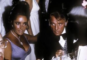 """Academy Awards: 42nd Annual""George Cukor, Elizabeth Taylor and Richard Burton1970 © 1978 David SuttonMPTV - Image 1812_0001"