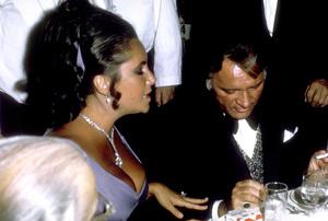 """Academy Awards: 42nd Annual""Elizabeth Taylor with Richard Burton1970 © 1978 Bud Gray - Image 1812_0003"