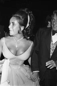"""Academy Awards: 42nd Annual"" Elizabeth Taylor1970 © 1978 Gunther - Image 1812_0048"
