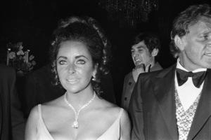 """Academy Awards: 42nd Annual"" Elizabeth Taylor1970 © 1978 Gunther - Image 1812_0049"