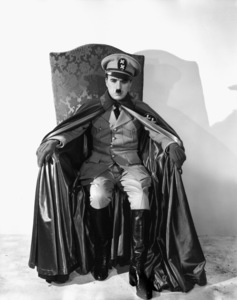"""""""The Great Dictator""""Charles Chaplin1940 United ArtistsPhoto by William Wallace** I.V. - Image 18133_0003"""