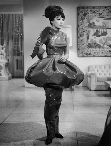 """""""What a Way to Go""""Shirley MacLaine1964 20th - Image 18241_0001"""
