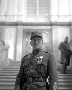 """Paths of Glory""Kirk Douglas1957 Bryna Productions**I.V. - Image 18264_0005"
