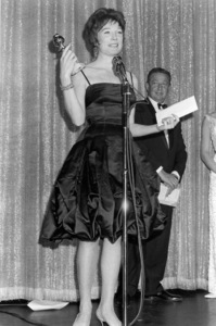 """Golden Globe Awards""Shirley MacLaine1964 © 1978 Kim Maydole Lynch - Image 18289_0004"