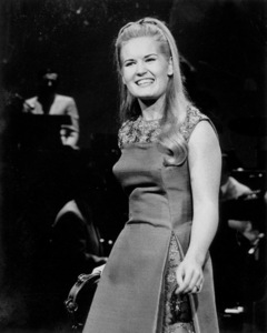Lynn Anderson Performing, c. 1964 © 1978 Chester Maydole - Image 18322_0001
