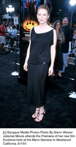 © Stargaze Media Photos Photo By Glenn WeinerJulianne Moore attends the Premiere of her new filmEvolution held at the Mann National in WestwoodCalifornia. 6/1/01 - Image 18427_0102