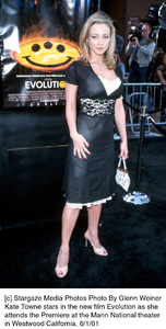 © Stargaze Media Photos Photo By Glenn WeinerKate Towne stars in the new film Evolution as she attends the Premiere at the Mann National theaterin Westwood California. 6/1/01 - Image 18427_0103