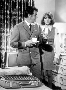 """""""Airport""""Dean Martin and Jacqueline Bisset.1970 /  Universal. - Image 1847_0009"""