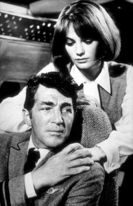 """""""Airport""""Dean Martin and Jacqueline Bisset.1970 /  Universal. - Image 1847_0023"""