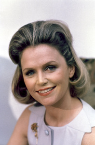 """QB VII""Lee Remick1974** H.L. - Image 18546_0003"