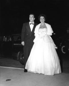 """""""The Heiress"""" (Premiere)Elizabeth Taylor, Montgomery Clift1949** I.V. - Image 18572_0006"""