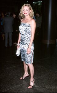 © Stargaze Media Photos Photo By Scott WeinerSamantha Mathis at the screening of The Mists ofAvalon held at the Directors Guild of America inLos Angeles California. 6/25/01 - Image 18617_0101