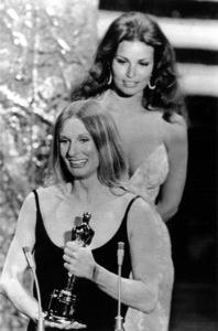 """Academy Awards - 44th Annual""Cloris Leachman, Racquel Welch1972 - Image 1862_0044"