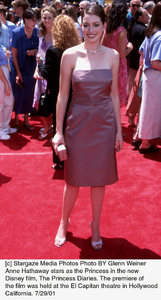 Princess Diaries, The: PremiereAnne HathawayEl Capitan Theater, Hollywood, CA  7/29/01 © 2001 Glenn Weiner - Image 18945_0101