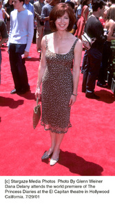 Princess Diaries, The: PremiereDana DelanyEl Capitan Theater, Hollywood, CA  7/29/01 © 2001 Glenn Weiner - Image 18945_0106
