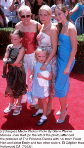 Princess Diaries, The: PremiereMelissa Joan Hart with mom Paula and sistersEl Capitan Theater, Hollywood, CA  7/29/01 © 2001 Glenn Weiner - Image 18945_0123