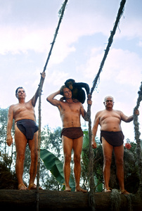 """""""Tarzan""""Johnny Weissmuller, Ron Ely with his chimp Cheetah, Frank Merrill1967 © 1978 Gunther - Image 1908_0014"""