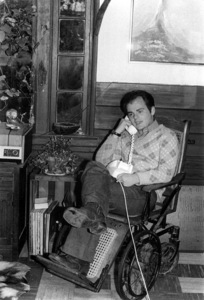Gary Burghoff at home in an antique wheelchairC. 1973 © 1978 Kim Maydole Lynch - Image 19084_0001