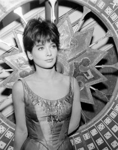 "Suzanne Pleshette in ""Wagon Train"" (Episode: ""The Myra Marshall Story"")1963** I.V. / M.T. - Image 1910_0018"
